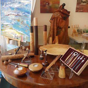 Galerie-Kurzweil-Tisch-Holz