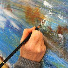 Hand-beim-Malen